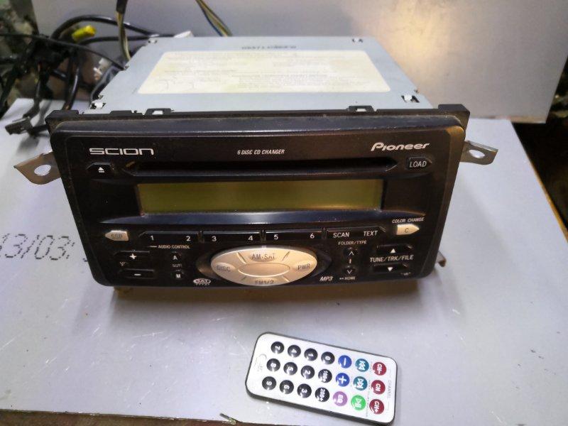 Магнитофон Toyota Ist XP60 2002 (б/у)