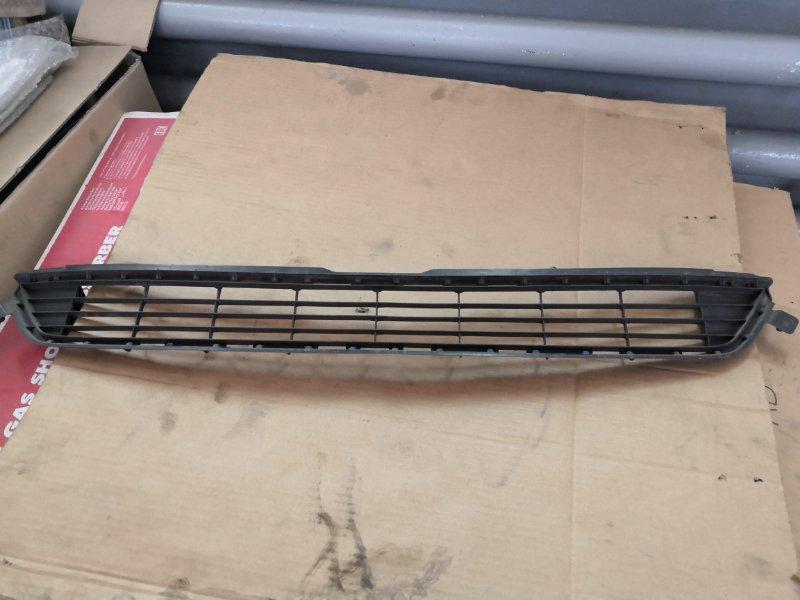 Решетка радиатора Toyota Rav4 X40 2013 передняя (б/у)