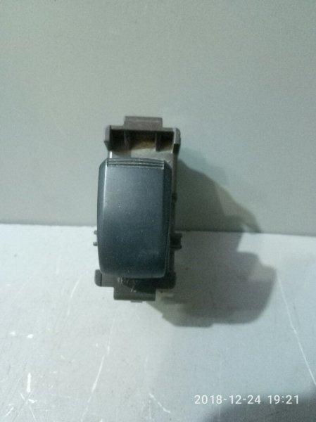 Кнопка стеклоподъемника Toyota Kluger XU20 2AZ FE 2000 задняя (б/у)