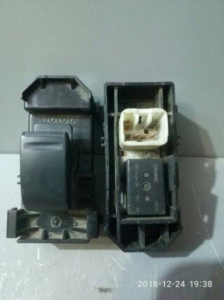 Кнопка стеклоподъемника Toyota Vista SV50 1998 задняя (б/у)