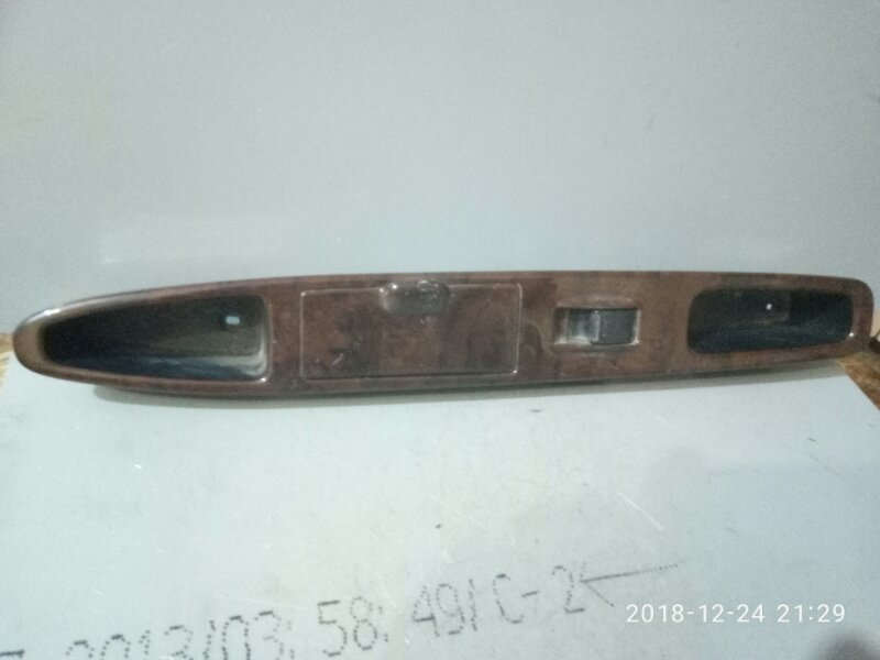 Кнопка стеклоподъемника Toyota Nadia SXN10 3S FSE 1998 задняя левая (б/у)