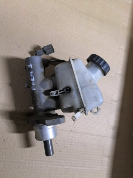 Главный тормозной цилиндр Chery Fora A21 A21 2006 передний (б/у)