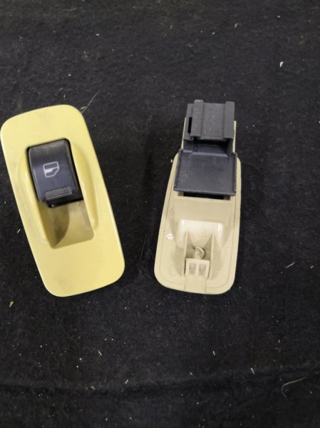 Кнопка стеклоподъемника Chery Tiggo T11 SQR484 2008 (б/у)