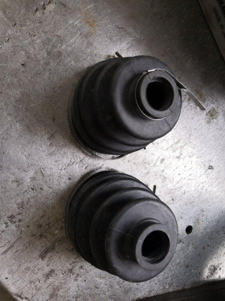 Пыльник Ford Maverick TM1 2000 (б/у)