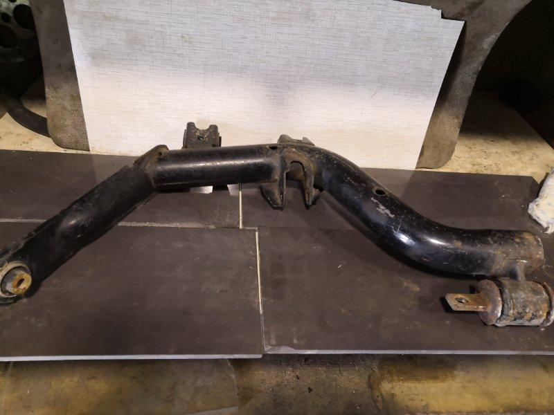 Рычаг подвески Honda Civic ES 2001 задний правый (б/у)