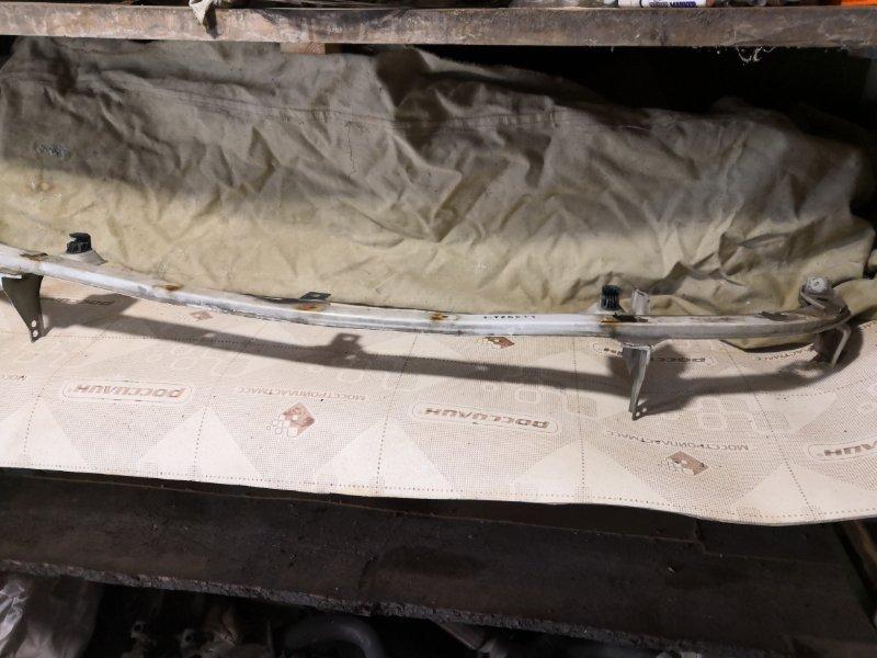 Усилитель бампера Nissan Liberty M12 1998 передний (б/у)