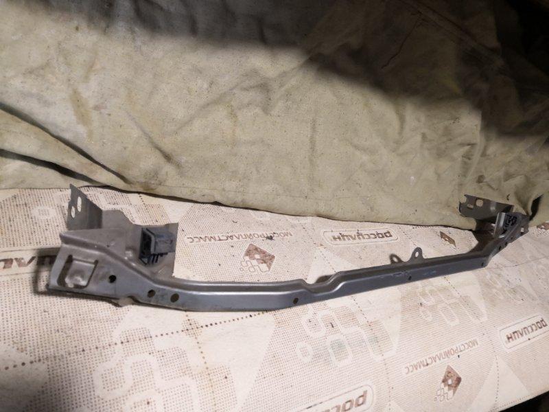 Усилитель бампера Nissan Wingroad Y11 2002 передний (б/у)