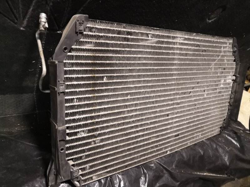 Радиатор кондиционера Toyota Camry Gracia MCV20 1996 передний (б/у)