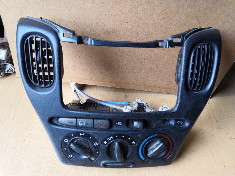 Блок управления климат-контролем Toyota Funcargo XP20 1999 передний (б/у)