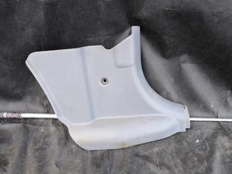Пластик салона Hyundai Accent LC G4EC 1999 передний правый (б/у)