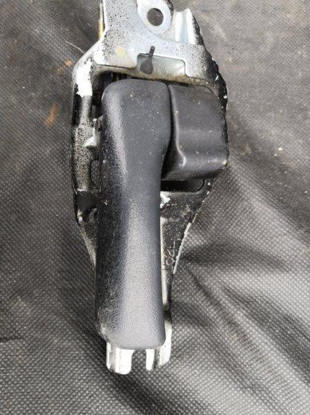Ручка двери внутренняя Toyota Rav4 XA10 3S FE 1995 передняя левая (б/у)