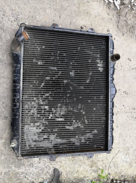 Радиатор двс Mitsubishi Pajero 1 1989 (б/у)