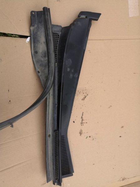 Решетка под лобовое стекло Mitsubishi Lancer 9 Classic CS2A 4G18 2003 передняя правая (б/у)