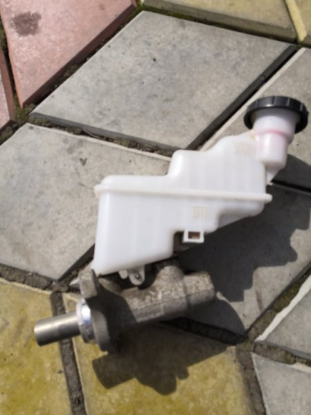 Главный тормозной цилиндр Kia Rio QB G4FC 2011 (б/у)