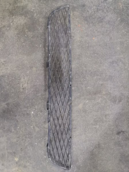 Решетка радиатора Toyota Corolla E120 3ZZ-FE 2000 (б/у)