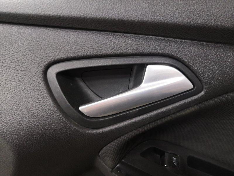 Ручка двери внутренняя Ford Focus 3 CB8 IQDB 2010 передняя правая (б/у)