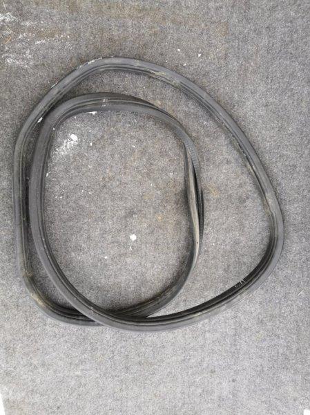 Уплотнительная резинка Nissan Almera Classic B10 QG16 2006 задняя правая (б/у)