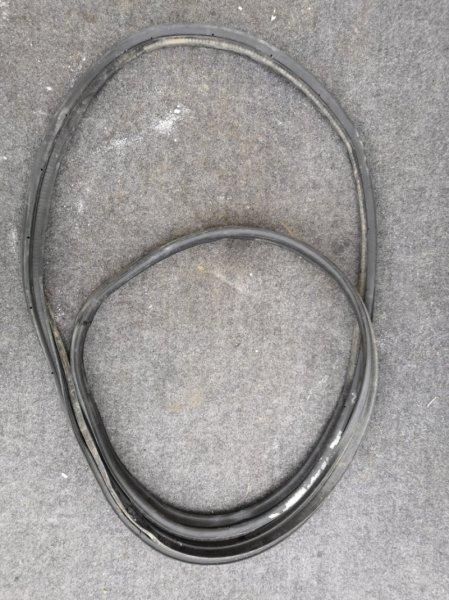 Уплотнительная резинка Nissan Almera Classic B10 QG16 2006 (б/у)