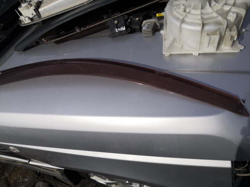 Ветровик Nissan Primera P12 QR20 2001 передний правый (б/у)