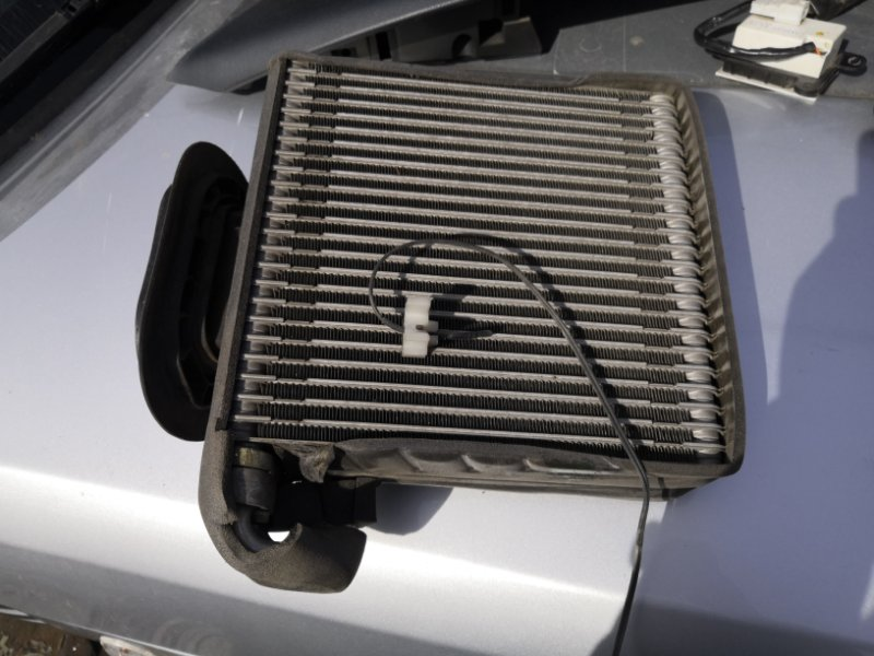Радиатор кондиционера Nissan Primera P12 QR20 2001 (б/у)