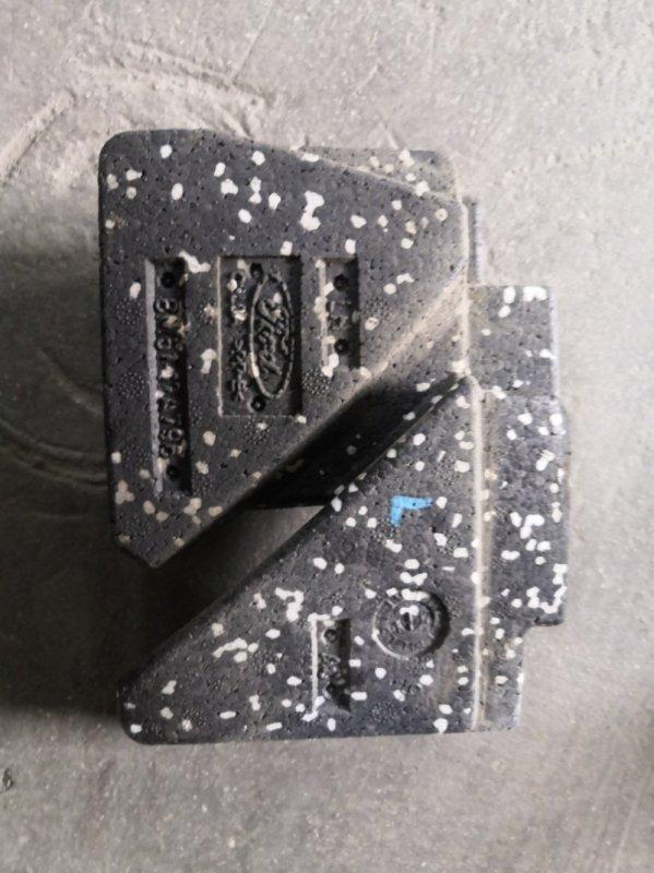 Наполнение бампера Ford Focus 3 CB8 XQDA 2011 переднее левое (б/у)