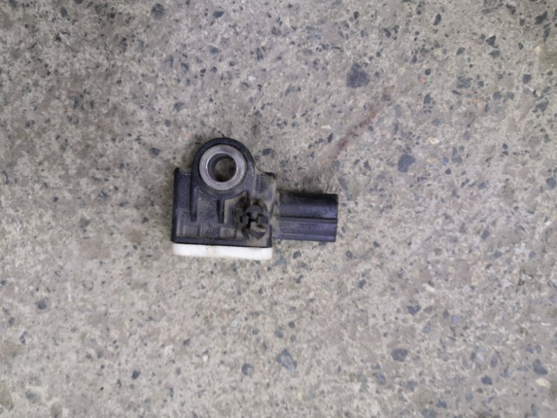 Датчик удара Ford Focus 3 CB8 XQDA 2011 (б/у)