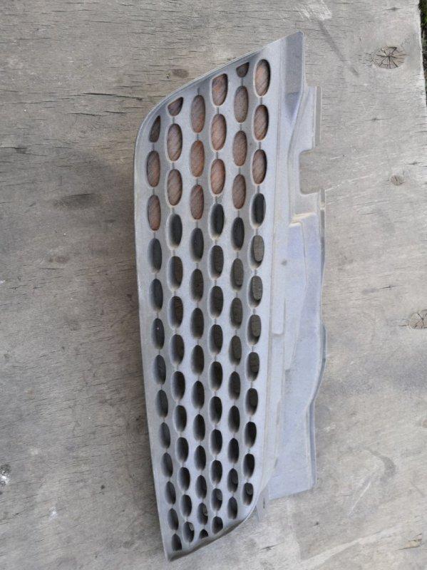 Решетка радиатора Nissan March K12 2002 передняя правая (б/у)