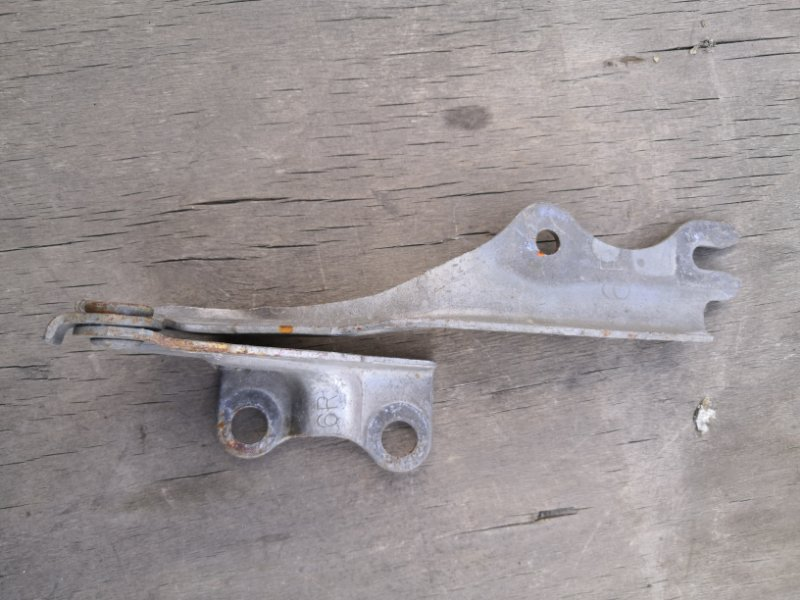 Петля капота Mazda Mpv LWEW 1999 передняя правая (б/у)
