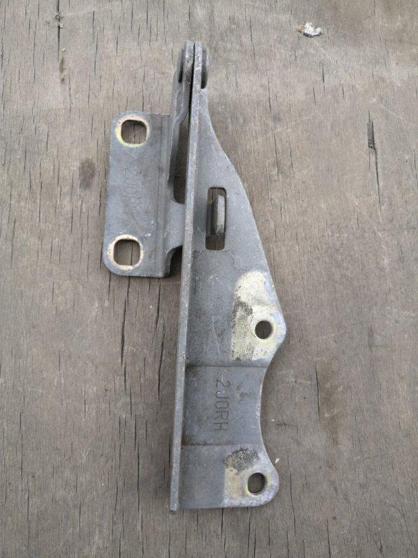 Петля капота Nissan Bluebird U14 1998 передняя правая (б/у)