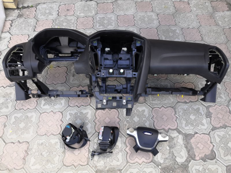 Аирбаг пассажирский Ford Focus 3 CB8 2010 (б/у)