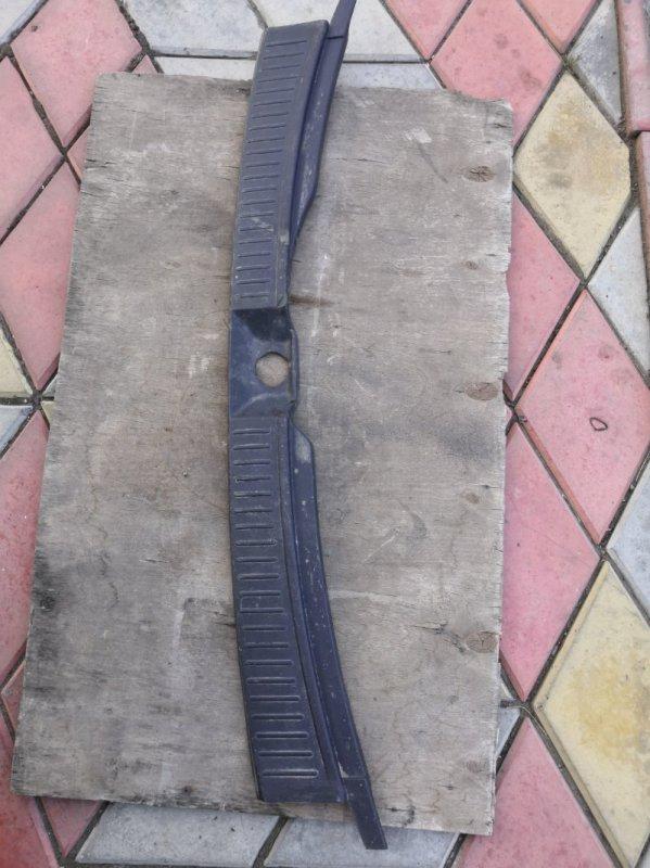 Пластик салона Nissan Wingroad Y11 QG15-DE 1999 задний (б/у)