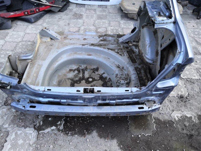 Задняя часть автомобиля Toyota Corolla E120 2000 (б/у)