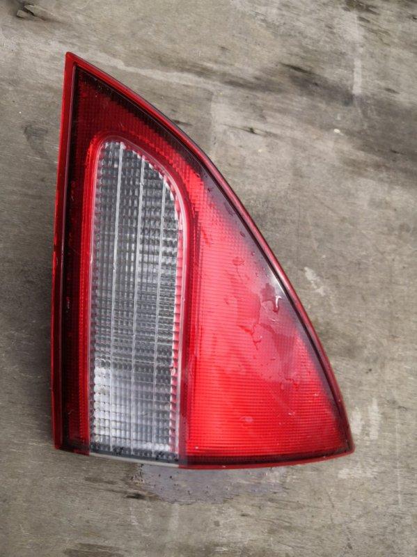 Фонарь задний Nissan Wingroad Y11 QG15-DE 1999 задний правый (б/у)