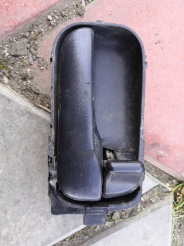 Ручка двери внутренняя Nissan Wingroad Y11 QG15-DE 1999 задняя правая (б/у)