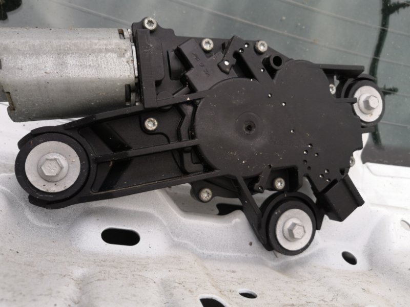 Моторчик дворника Ford Focus 3 CB8 2010 задний (б/у)