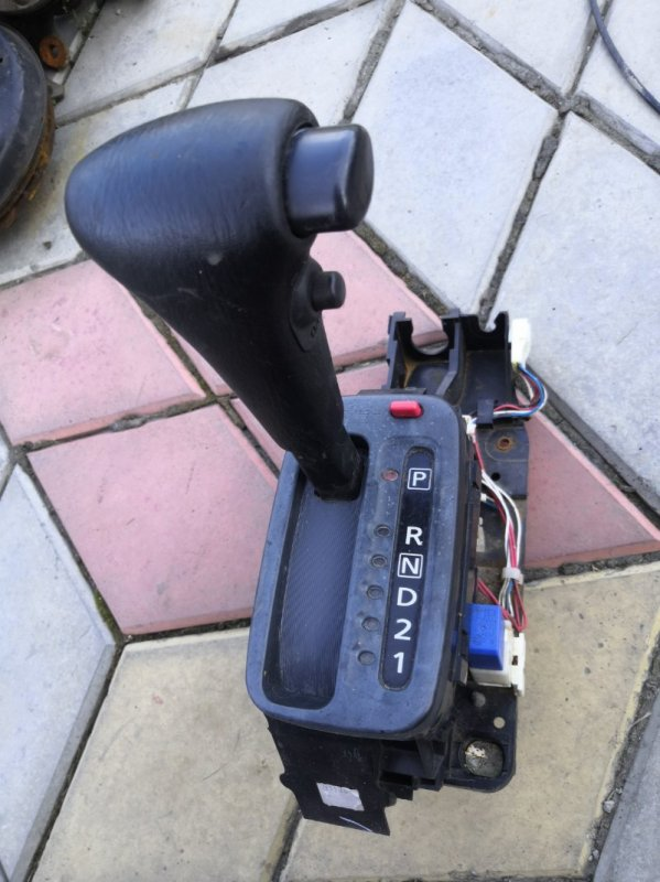 Селектор акпп Nissan Wingroad Y11 QG15-DE 1999 (б/у)