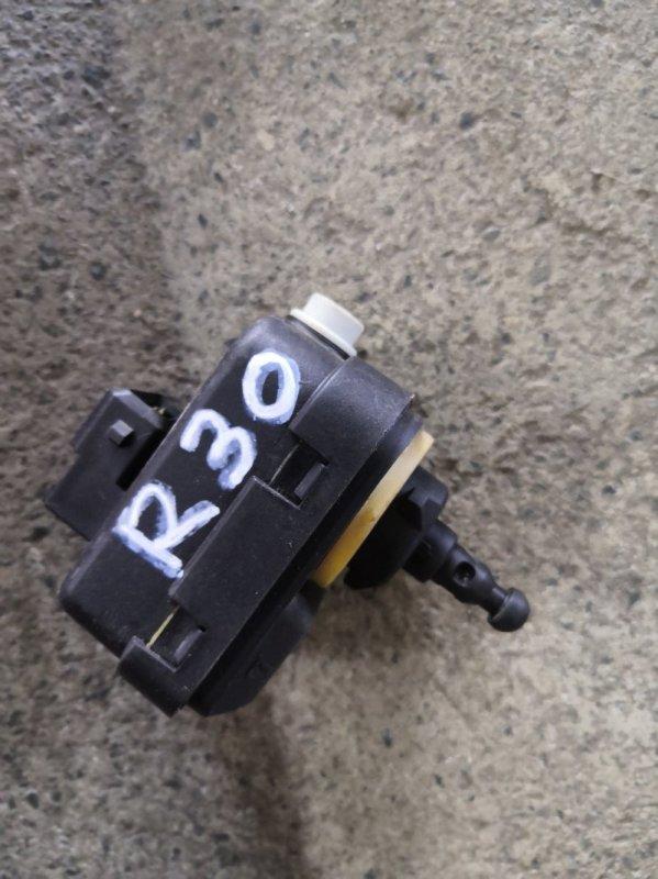 Корректор фары Toyota Rav4 X30 2006 (б/у)