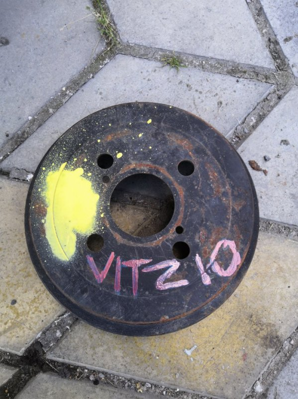 Тормозной барабан Toyota Vitz XP10 1999 задний (б/у)