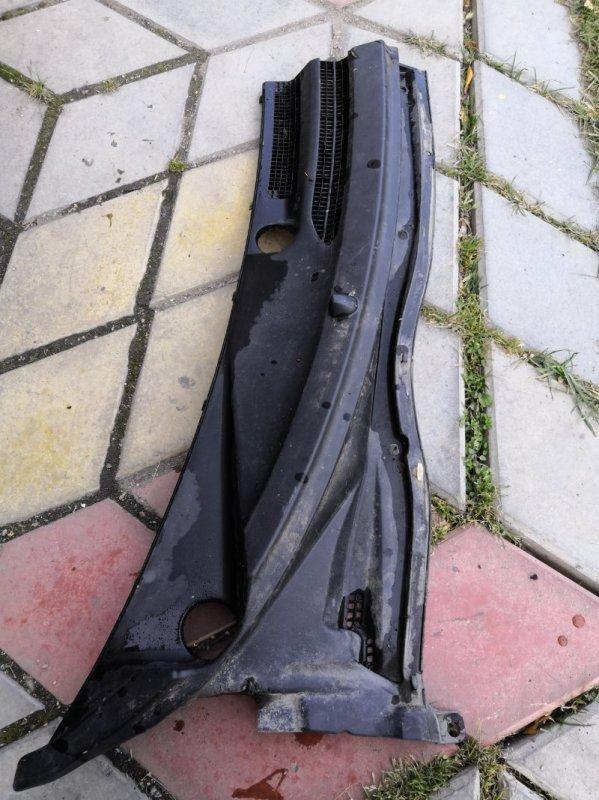 Решетка под лобовое стекло Toyota Estima XR30 2AZ-FE 2000 передняя правая (б/у)