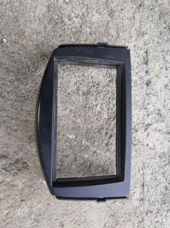 Рамка магнитофона Toyota Rav4 X30 2006 (б/у)