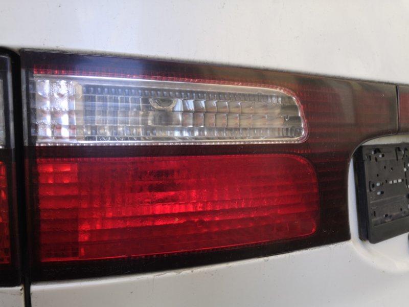 Фонарь задний Toyota Estima XR30 2AZ-FE 2000 задний левый (б/у)