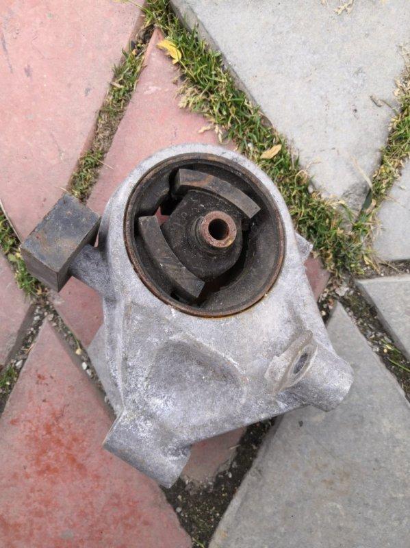 Подушка кпп Nissan Primera P11 SR20 1996 (б/у)