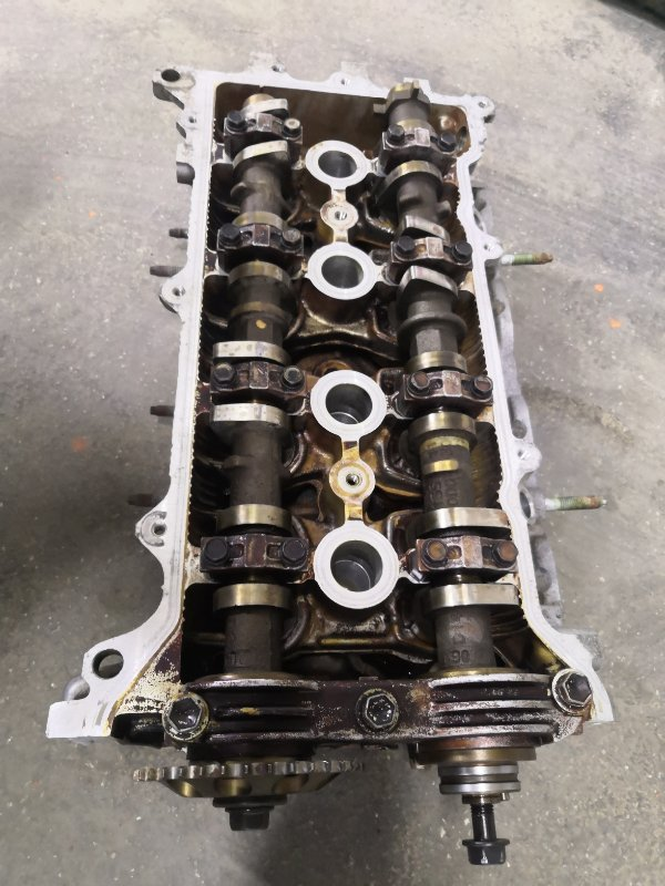 Головка блока цилиндров Toyota Avensis T250 1ZZ-FE 2003 (б/у)
