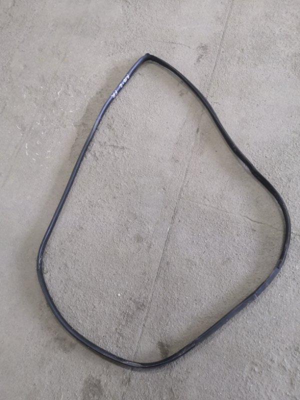 Уплотнительная резинка Kia Rio JB G4EE 2005_2011 передняя правая (б/у)