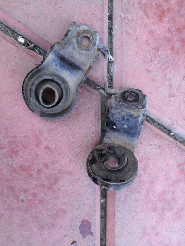Крепление радиатора Toyota Estima XR30 2AZ-FE 2000 (б/у)