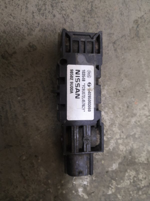 Датчик удара Nissan Note E11 HR16 2005 (б/у)