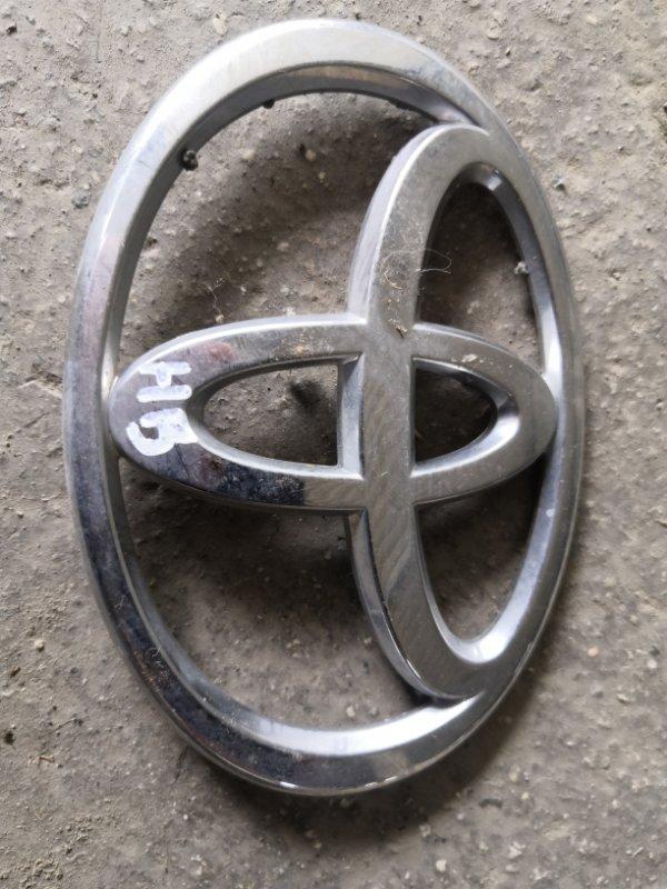 Эмблема Toyota Corolla E120 1NZ-FE 2000 задняя (б/у)