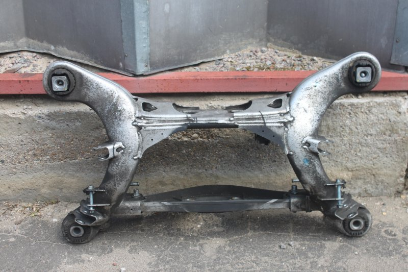 Балка подвески Mercedes E-Class S211 112.954 3.2L 2004 задняя (б/у)