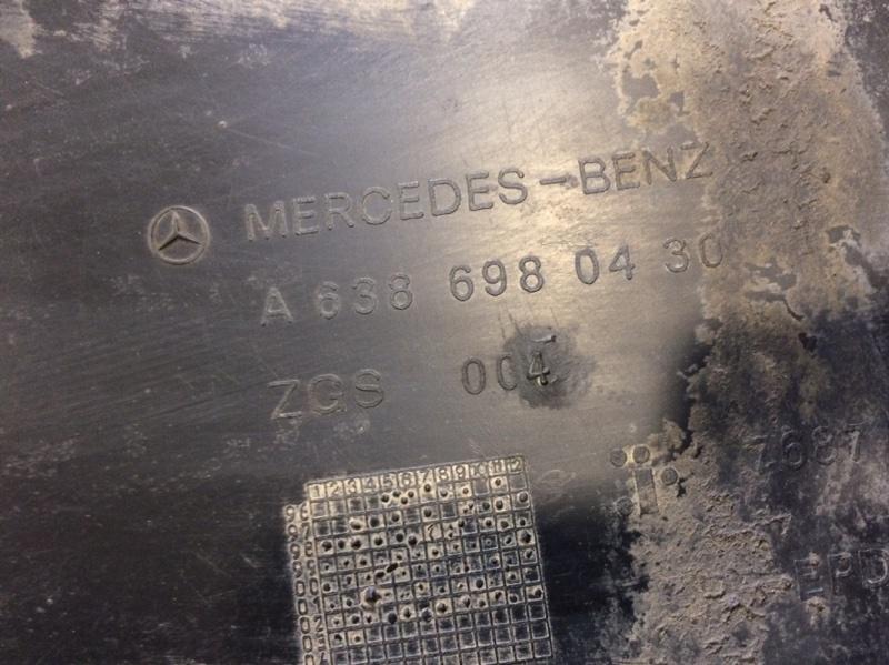 Подкрылок передний левый MERCEDES V-CLASS W638 OM601.942