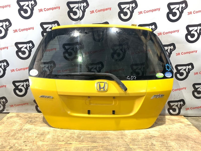 Дверь задняя багажника Honda Fit GD1 L13A
